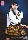 【中古】生写真(AKB48・SKE48)/アイドル/AKB48 蔵本美結/ライブフォト・膝上・衣装白・黒・黄色・チェック柄・顔左向き/AKB48 村山チーム4「手をつなぎながら」公演 村山彩希 1000回出演記念 ランダム生写真 2020.1.18