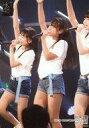 【中古】生写真(AKB48・SKE48)/アイドル/HKT48 川平聖/ライブフォト・膝上・衣装白・Tシャツ・右手上げ・左手マイク・左向き/HKT48 研究生「脳内パラダイス」ランダム生写真 2019.3.23