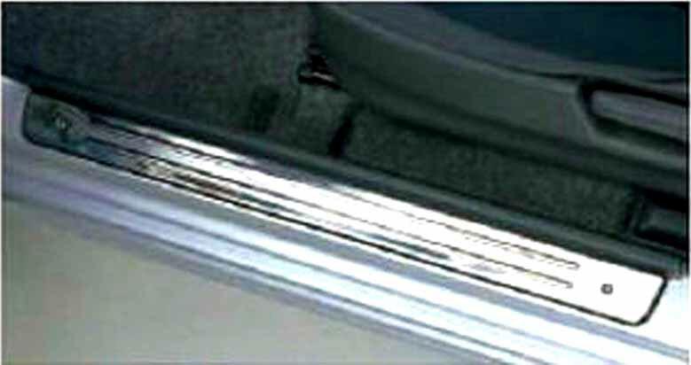 『ジムニーシエラ』 純正 JB43W サイドシルスカッフ パーツ スズキ純正部品 ステップ 保護 プレート jimny オプション アクセサリー 用品