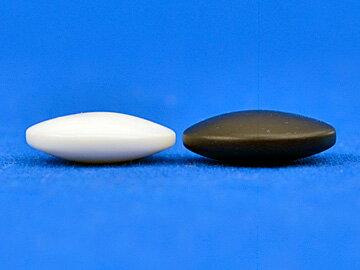 硬質ガラス碁石(1粒売り) 新生・椿(厚み約6mm)