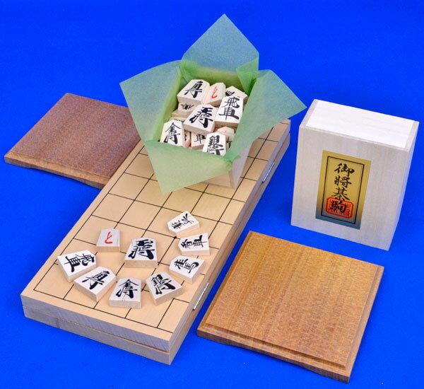 将棋 セット 小型新桂4号折将棋盤セット(木製将棋駒優良押し駒・駒台)