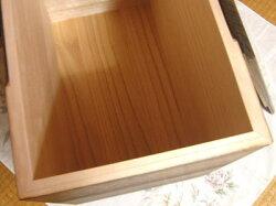 桐箪笥(たんす)の職人がこだわって作った米びつ焼桐30kg用