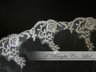 Three steps of veil ★ floral design embroidery ★ off-white (v120-3) with the Wedding Veil comb