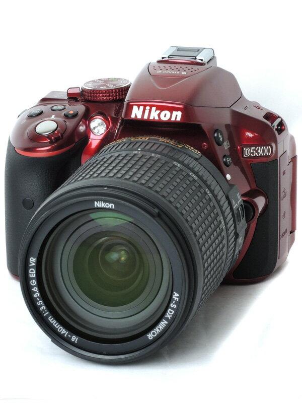 【Nikon】ニコン『D5300 18-140VR レンズキット』D5300LK18-140RD レッド デジタル一眼レフカメラ 1週間保証【中古】