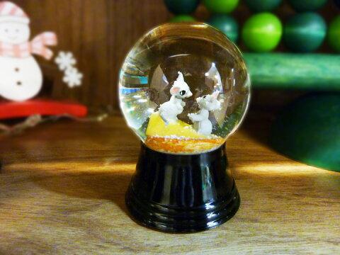 【PERZY スノードーム45mm チーズの上のネズミ】【宅配】 オーストリア ージー ィーン 雪 インテリア 雑貨 おしゃ わいい 置物 オブジェ プレゼント クリスマス スノーグローブ 動物 アニマル 手作り ねずみ