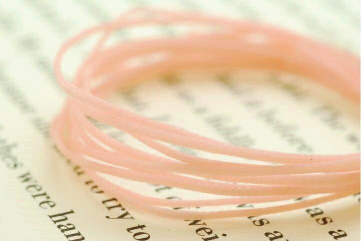 【太さ0.8mm】【ベイビーピンク】蝋引き紐(ロウビキヒモ)編み込みブレスレットやストラップ作りに