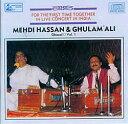 ガザル界を代表する二人のアーティスト、Mehdi Hassan(メヘディ・ハッサン)とGhulam Ali(グラム・アリ)が共演したライブの模様を収録した一枚です。聞き応えたっぷり!収録曲一覧1.Introduction[1:08]2.Ranjish Hi Sahi[23:15]3.Para Para Hua[3:53]4.Fasile Aise Bhi[7:31]5.Dil Mein Ek Lahar Si Uthi Hai Abhi[9:31]6.Baharon Ko Chaman Yaad Aa[3:16]7.Hangama Hai Kyon Barapa[8:36]8.Shola Tha Jal Bujha Hoon[7:16]■Mehdi Hassan and Ghulam Ali - Ghazal Vol. 1の詳細ブランドHindusthan Musical商品詳細 AudioCD。CD1枚。普通のCDプレーヤーで視聴可能。インド商品について弊社では「現地の雰囲気をそのまま伝える」というコンセプトのもと、現地で売られている商品を日本向けにアレンジせず、そのまま輸入・販売しております。日本人の視点で商品を検品しておりますが、インドならではの風合いや作りのものもございます。全く文化の異なる異国から来た商品とご理解ください。アーティスト、俳優グラム・アリ,Mehdi Hassan アーティスト:グラム・アリ(Ghulam Ali):男性ボーカル メヘンディ・ハッサン(Mehdi Hassan):男性ボーカル配送についてあす楽についてcd収録曲一覧1.Introduction[1:08]2.Ranjish Hi Sahi[23:15]3.Para Para Hua[3:53]4.Fasile Aise Bhi[7:31]5.Dil Mein Ek Lahar Si Uthi Hai Abhi[9:31]6.Baharon Ko Chaman Yaad Aa[3:16]7.Hangama Hai Kyon Barapa[8:36]8.Shola Tha Jal Bujha Hoon[7:16]
