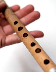 インドの縦笛(シルク巻き-高級品) | 【送料無料&300円クーポン進呈】 フルート 楽器 バンスリ Bansli 管楽器 民族楽器 アジア エスニック