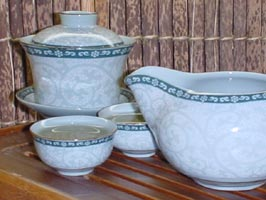 A cover porcelain bowl set (ivy):