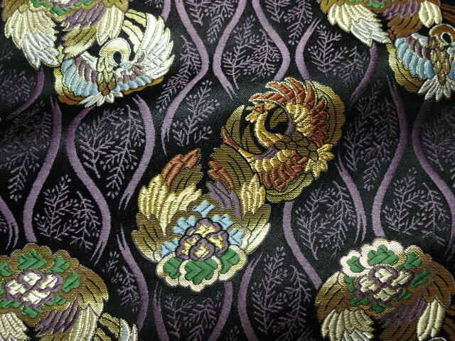 京西陣・金襴生地 立涌に鳳凰の丸(黒地・紫) 10cm単位 切り売り 布地 はぎれ 和柄 生地 よさこい きんらん 金らん