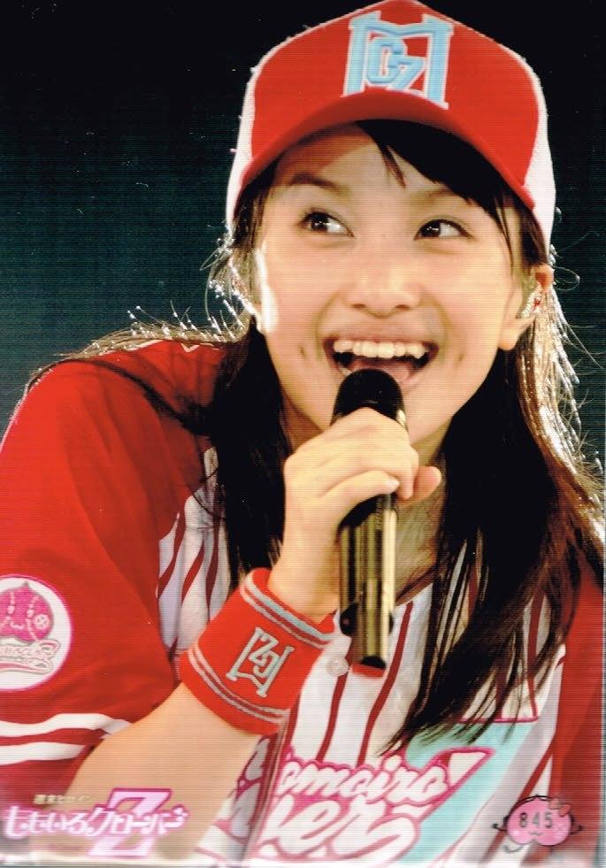 野球のユニホーム姿の百田夏菜子高画質画像
