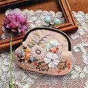 【手芸キット】Rairaiさんのノスタルジックフラワー刺しゅうキット がま口 -Dusty pastel garden- | つくる楽しみ