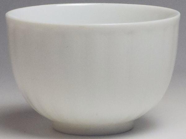 【B級品】菊型白磁千茶(湯呑み) [普段使いの食器]