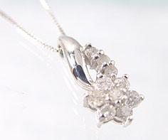 K18WG ダイヤモンド フラワー ペンダンネックレス ゴールド ダイアモンド モチーフ 花 18K 18金 ベネチアンチェーン 誕生日 4月誕生石 メッセージ ギフト 贈り物 上品なダイヤモンドの輝きを胸元に
