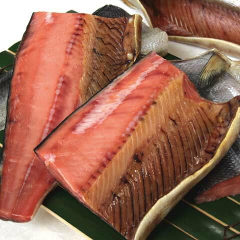 塩引鮭一尾 【四つ切りにして】 生時5.3kg