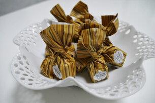 イタリア トリュフ ヘーゼルナッツ プラリネホワイトチョコレート