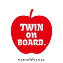 リンゴ twin on board ステッカー baby in car ステッカー 車 シール / ベビーインカー 赤ちゃんが乗っています 子供が乗っています / リンゴ りんご アップル apple / ハスラー アクア タント NBOX bB プリウス / 吸盤 マグネット 非対応 / 10P05Aug17