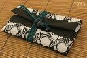 【DM便対応可】一万円札が入る道中財布 日本製 綿100% 岡重柄 ひょうたん繋ぎ縞 紐:緑〈ベージュ〉