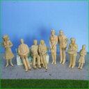 模型人形 1/25人形フィギュア8体 ミニカー鉄道模型外構デザイン模型 建築模型に【未塗装】【肌色】