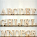 (アルファベット オブジェ(A〜R))アルファベット オブジェ 木製(木)の大文字 結婚式のウェルカムボード サインや表札として。インテリア パーツ ブロック パイン材 天然木のナチュラル 雑貨。無塗装なのでDIYで着色 装飾自在。プレートの文字 パーツ 置物 披露宴(二次会)