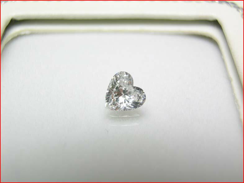 0.561ctダイヤモンドハートルース 10P16Nov09 【トレンディー】