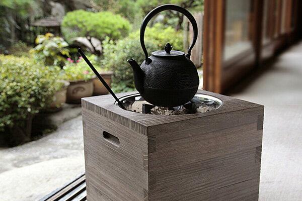 【送料無料】 桐の箱火鉢セット(フタ、五徳、火箸...の商品画像