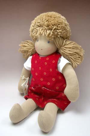 ジルケ人形(大)女の子 金髪赤ポッケ【送料無料】【おもちゃ歳から】【子どもお誕生日知育玩具プレゼントキッズ子供ゲーム木のおもちゃギフト出産祝い赤ちゃん男の子女の子クリスマス】