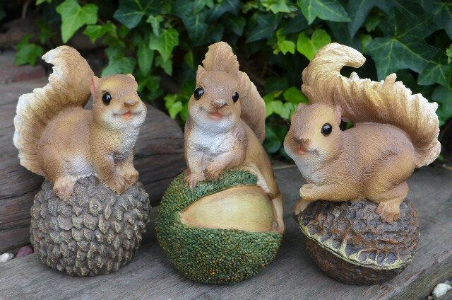 りすの置物リス木の実3匹セット9310H動物オーナメントオブジェガーデンガーデニング庭置物マスコット