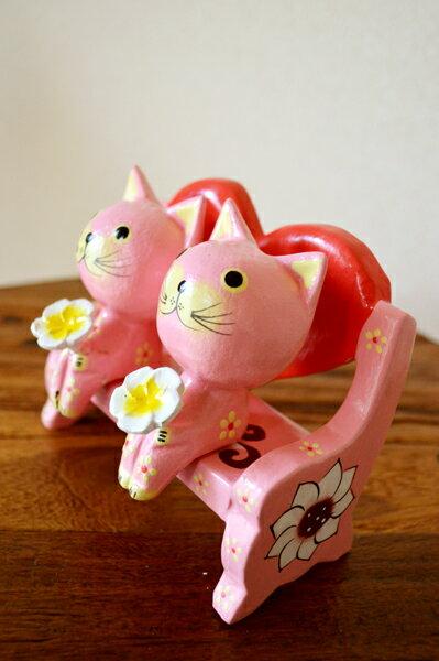 アジアン雑貨 バリ 猫 (カップル花持ちネコ(ハートベンチ・ピンク)) アジアン雑貨 置物 オブジェ オーナメント ネコ ねこ 結婚祝い 木製 エスニック リゾート