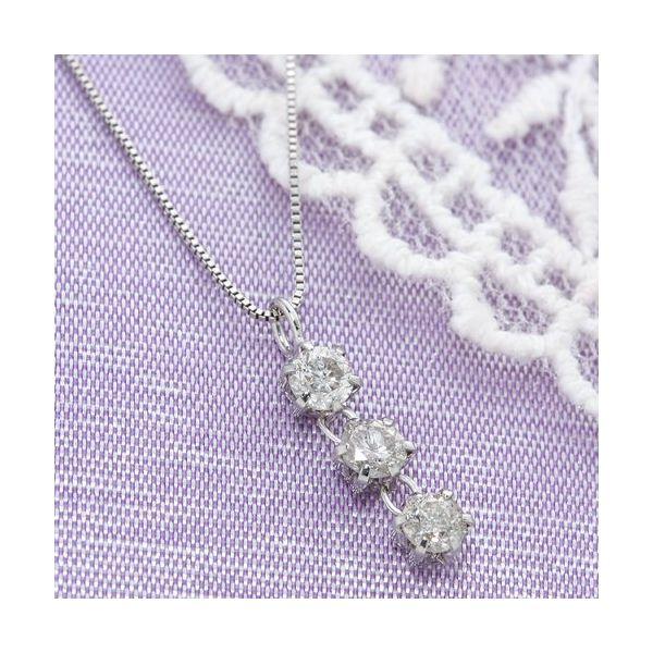 【日本製】【送料無料】ホワイトゴールド 0.3ctダイヤ3ストーンペンダント/ネックレス 白 (カテゴリー:ファッション>ネックレス>ペンダント>天然石>ダイヤモンド ) 0.3カラットダイヤネックレス  ファッション ネックレス ペンダント 天然石 ダイヤモンド