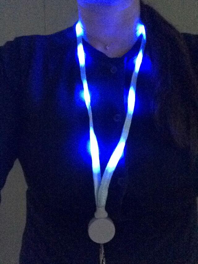 LED ネックストラップ イベント コンサート ウォーキング 防犯 交通安全 点燈・点滅(2パタ-ン)
