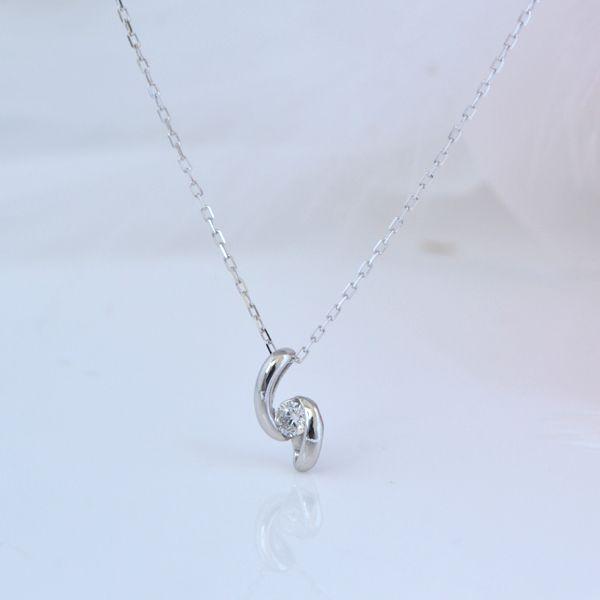 K10WG  ひねりがきれいな ダイヤモンド プチネックレス 彼女  誕生日  ジュエリー アクセサリー ∞