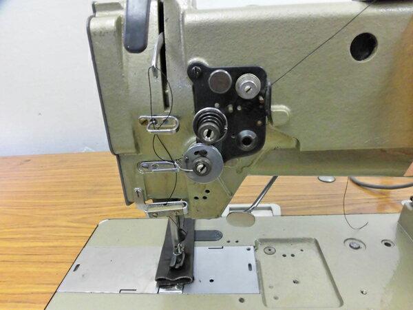 【中古】三菱 LU2-410 MITSUBISHI ミツビシ 三菱ミシンLU2-410 日本で製造したミシン。 三菱 1本針総合送り自動糸切機能付き モデル NO-LU2-410型 頭部のみ。