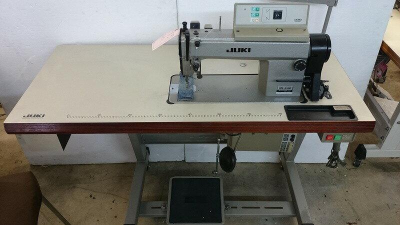 【中古】ジューキ JUKIミシン  ジューキ1本針自動糸切ミシン。モデルNO-DDL-5580ーSC-120型100V仕様 弊社にて整備済み新品と同じく6か月の保証付。タッチバック機能・縫いはじめ、縫い終わり自動止め縫い機能付き。