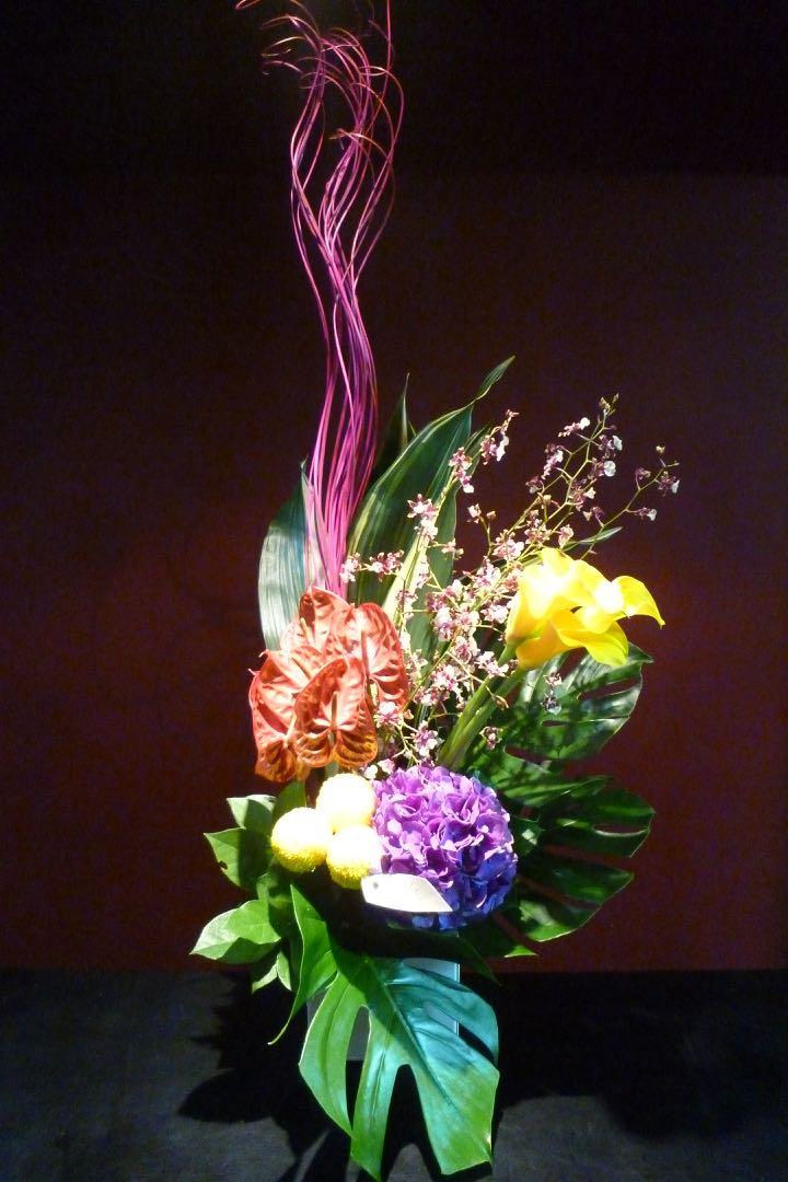 個性的 お花 アレンジメント