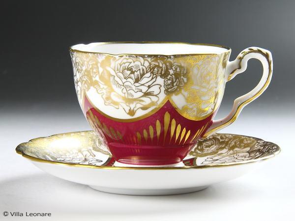 【ロイヤル スタッフォード】ルビー&ホワイト 金彩の薔薇 カップ&ソーサー