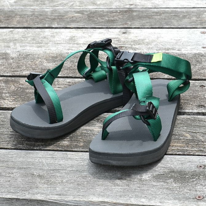 D.ROUNDY(ディラウンディ)/ RIVER SANDAL -GREEN-