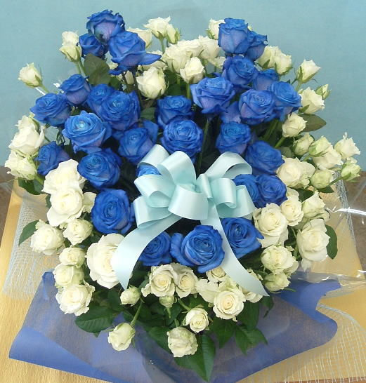 バラのアレンジ/ブルー&ホワイトローズアレンジ【青いバラ】【結婚祝い 花】【誕生日 花】