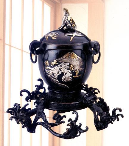 香炉・香立て■ 波足付近江八景蓋 ■銅製 桐箱入【高岡銅器】