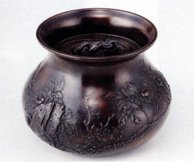 茶器・茶道具■ 建水 牡丹 ■蝋型青銅(ブロンズ)製 桐箱入【高岡銅器】