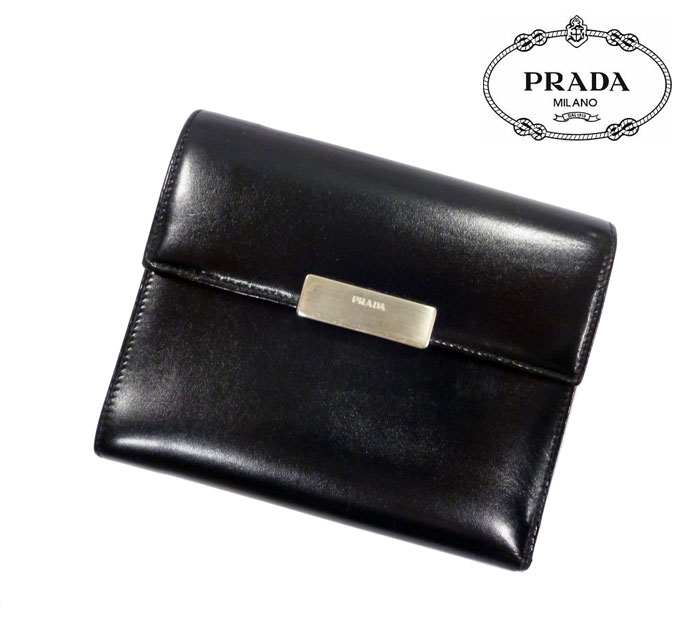 【PRADA】プラダ 三つ折り財布 レザー 男女兼用 ブラック ロゴプレート 人気  RC0044【中古】