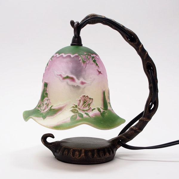 猫の手作りガラスランプ フロア(ルーム)ランプ 薔薇の庭こもれびガラス工房猫グッズ 猫雑貨