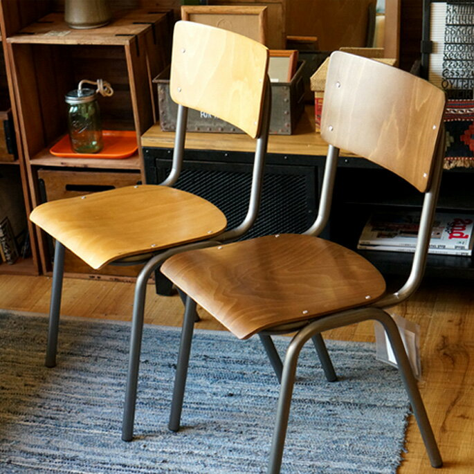 SUSY CHAIR(スージーチェア) ダイニングチェア・スタッキングチェア CIGNINI(チグニーニ) バリエーション(BEECH STAINED OAK・BEECH STAINED DARKWALNUT) 送料無料