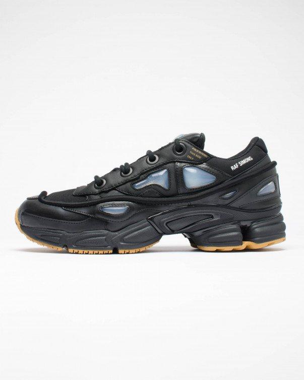 送料無料 men's メンズ 店舗限定 海外限定 日本未発売 ADIDAS RAF SIMONS OZWEEGO BUNNY CBLACK/CBLACK/MESA S81162 アディダス ラフ シモンズ オズウィーゴ ベニー ストリート 人気 おしゃれ かわいい 靴