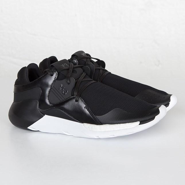 送料無料 店舗限定 海外限定 Men's メンズ 日本未発売 adidas Y-3 QR Knit Run Core Black Core Black FTWR White AQ5497 アディダス ワイスリー QR ニット ラン ブラック ホワイト 黒 白 スニーカー 靴 おしゃれ かわいい 人気 激安