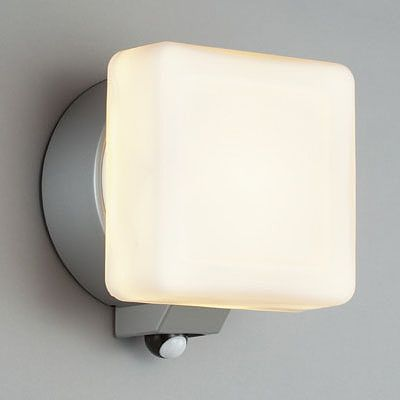 レビュー投稿で次回使える2000円クーポン全員にプレゼント 山田照明 LED一体型ブラケットライト 白熱灯40W相当 電球色 AD2571L 【生活家電\他】