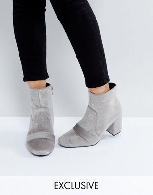 ポニー gray灰色 ブーツ グレイ the march grey faux pony fur heeled ankle boots 靴 レディース靴