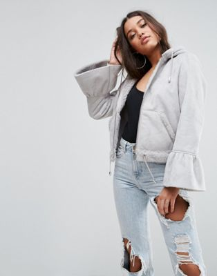 asos cropped jacket in faux leather with flute sleeve エイソス スリーブ ジャケット レザー