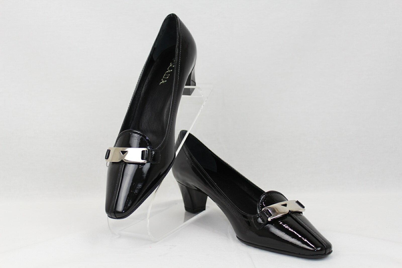PRADA(プラダ)エナメルパンプス DNC627ブラック 黒 シルバー金具靴 パンプス 未使用品【中古】