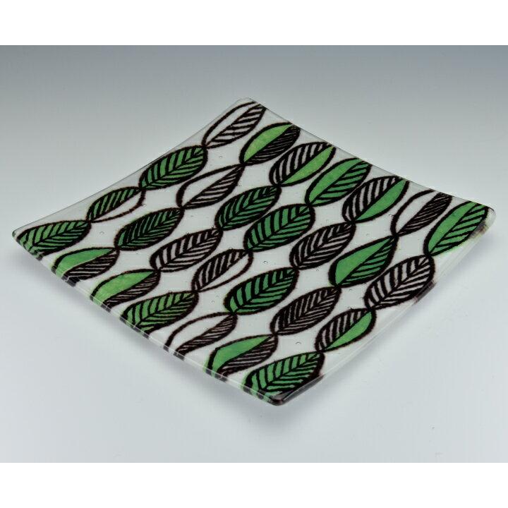 北欧スタイルのおしゃれなヴィンテージ風ガラス飾り皿(絵皿)Leaf Leaf Leaf <Fukico Ceramico>